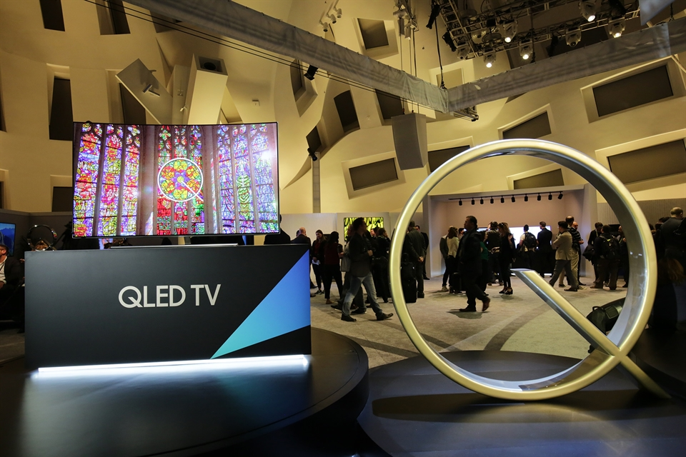 ONE CLICK DIGITAL REVIEWS: Samsung's New QLED TV Has Becomes