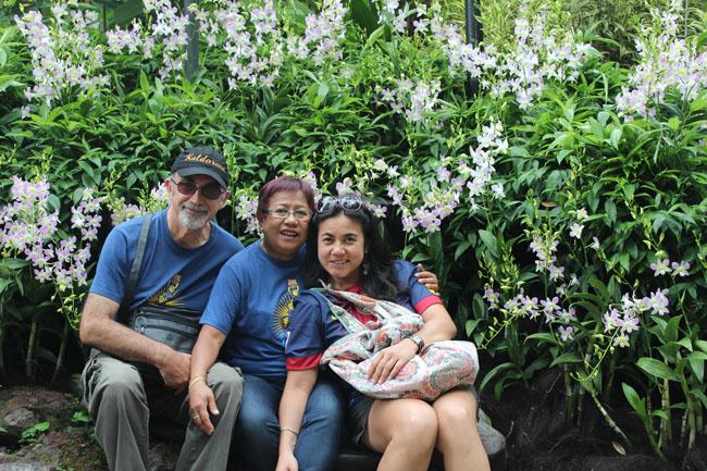 La familia en el National Orchid Garden de Singapur