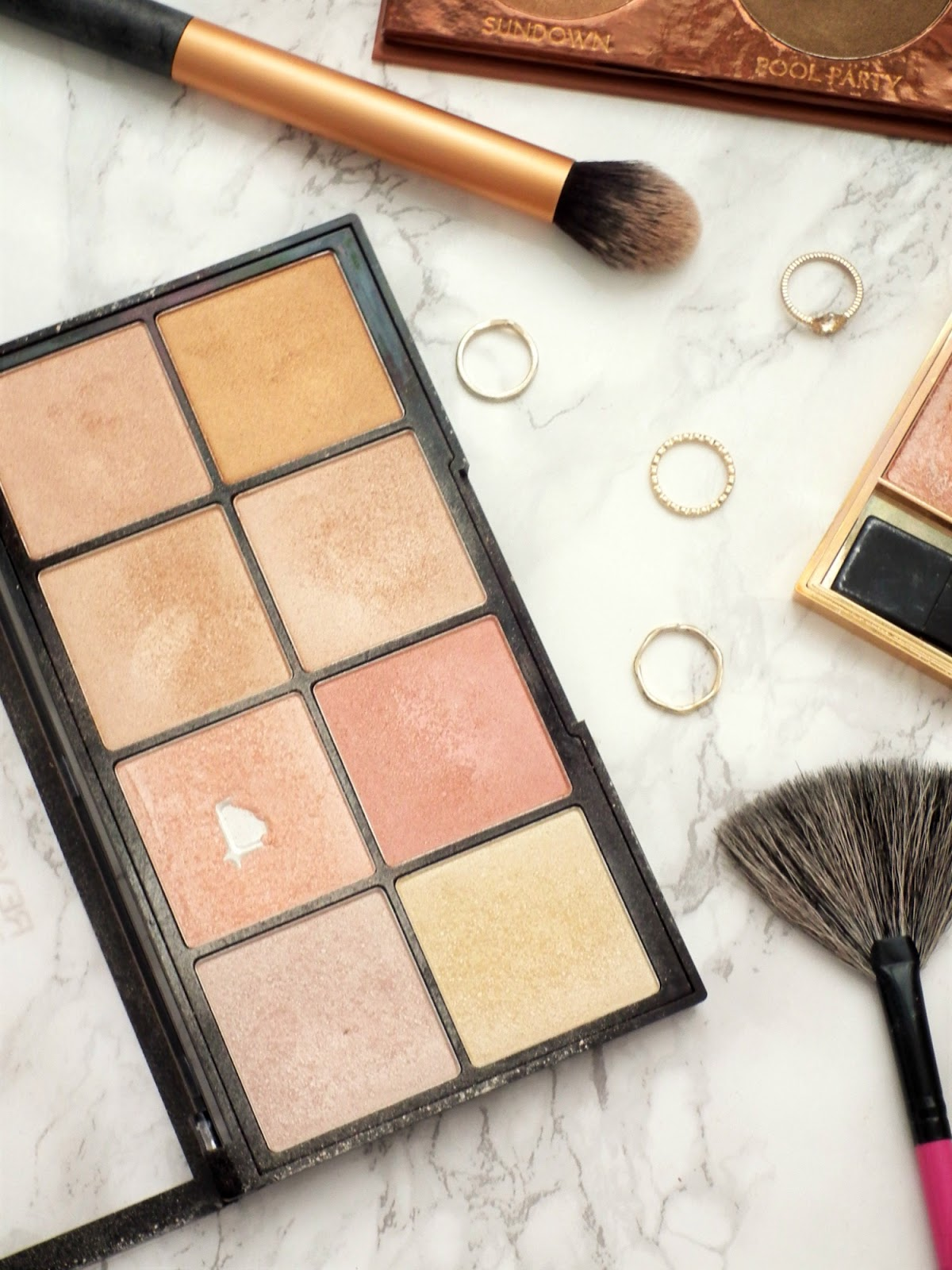 3 Affordable Highlighting Palettes Makeup Revolution Ultra Glow