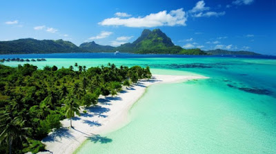 Pergilah ke suatu tempat atau wisata yang baru.