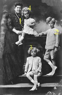 La comtesse de Flandre et ses petits-enfants belges