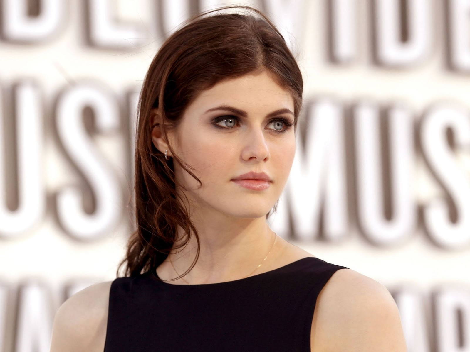 Lovely Wallpapers: Alexandra Daddario Wallpapers  Lovely Wallpape...