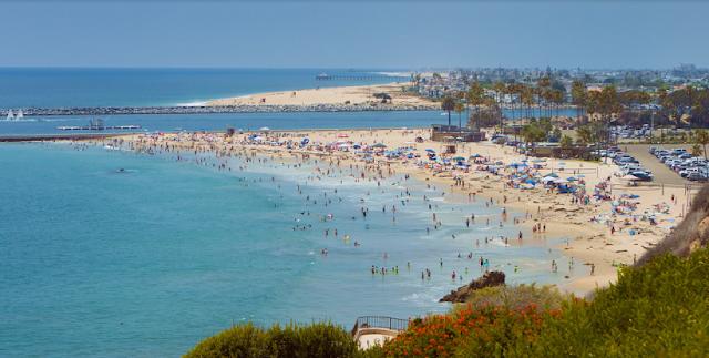 Praia Corona del Mar State Beach em Newport Beach