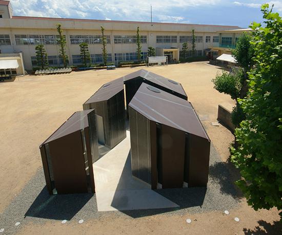 8 gambar Desain toilet di taman terbuka dengan desain atraktif