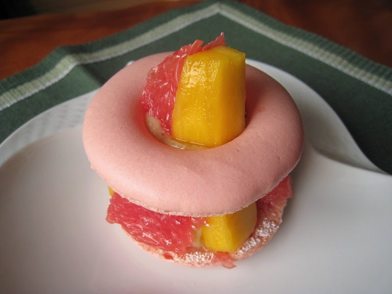 kazuo felders lektion 150 grapefruit erdbeer vanille macarons. Black Bedroom Furniture Sets. Home Design Ideas