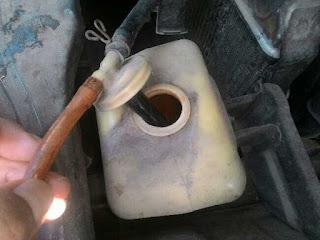 Tangki cadangan radiator mobil
