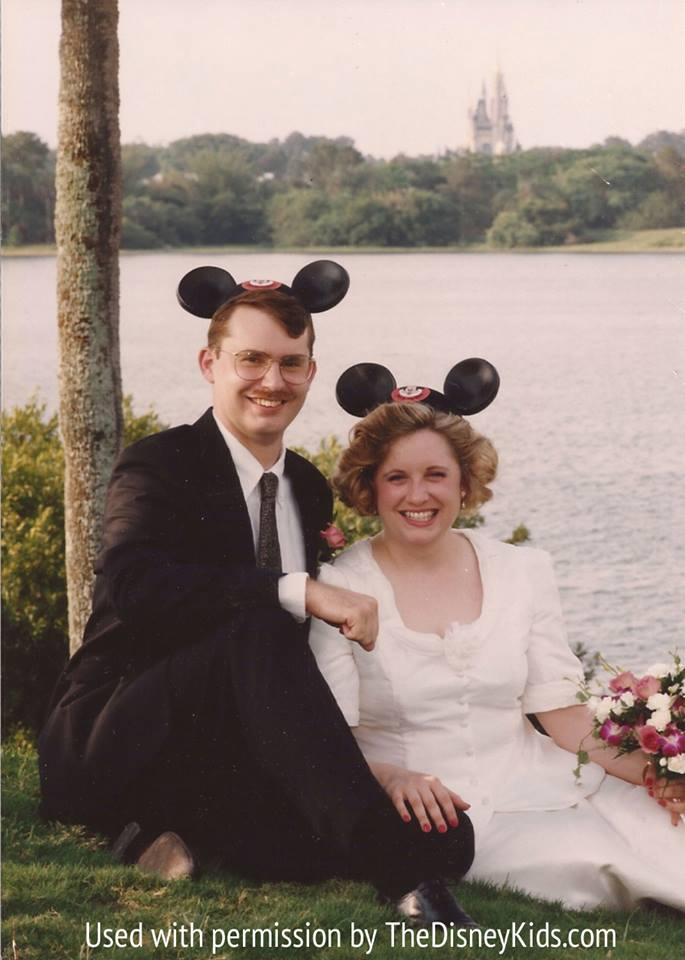 Vintage Fairy Tale What A Disney Wedding Looked Like And Cost In 1995