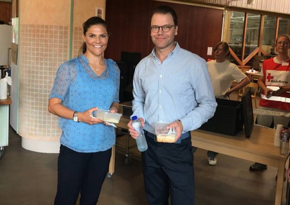 Crown Princess Victoria wore Baum und Pferdgarten Blue pony Marge blouse. Crown Princess Victoria and Prince Daniel received information