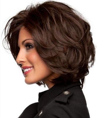 Model rambut pendek wanita sebelah kiri
