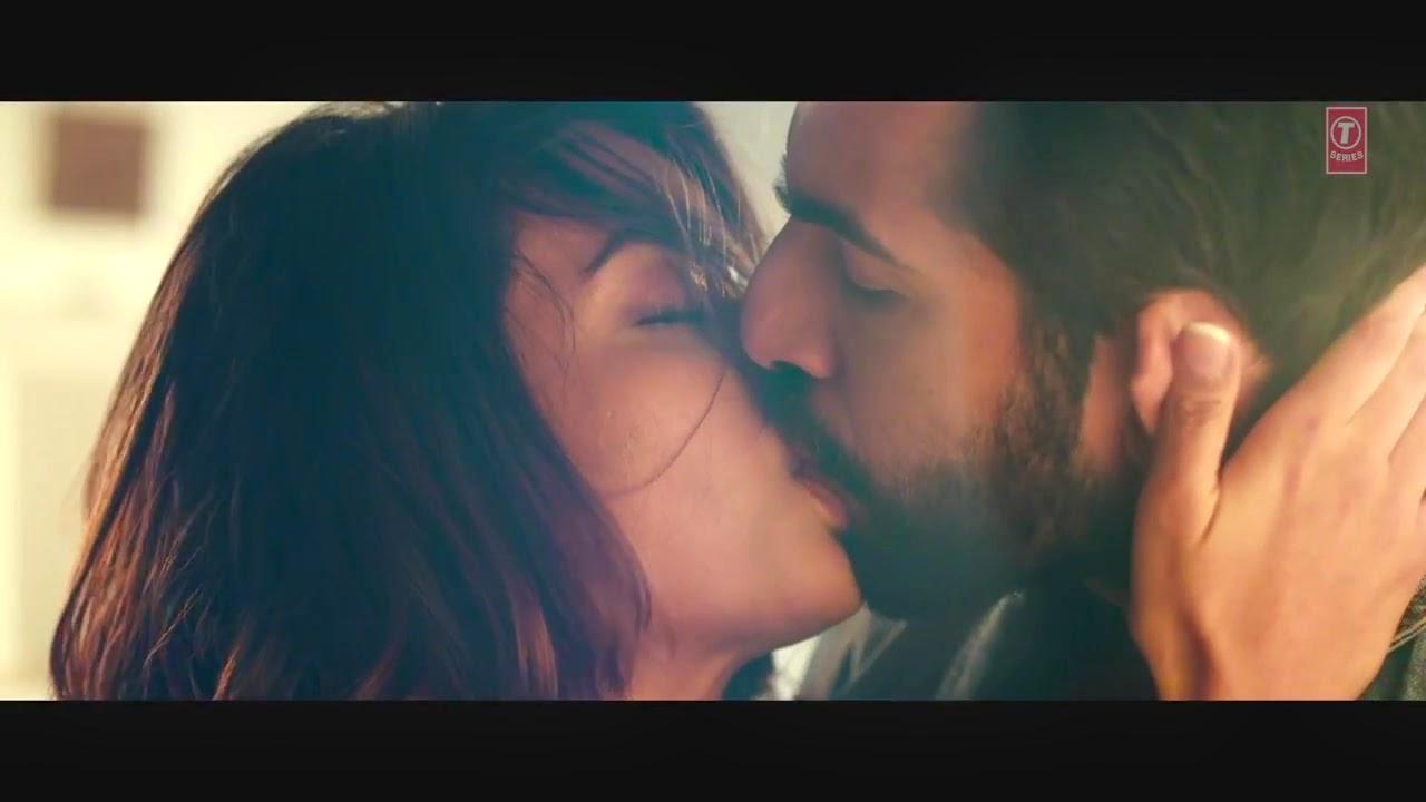 Hot Surveen Chawla kiss