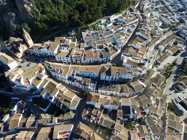 sobrevoando os incríveis pueblos blancos da Andaluzia, Espanha