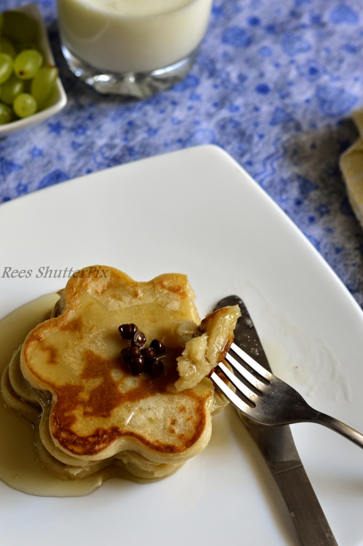 banana,pancakes,eggless,recipe,easy pancakes,