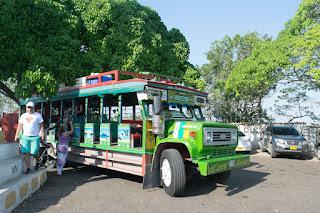 chiva bus cartagena indias