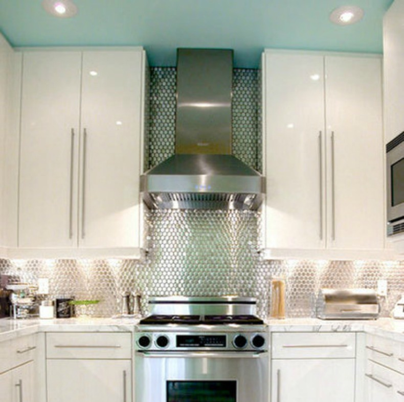 Coastal Kitchen, aqua ceiling