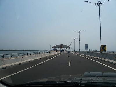 Tol Laut di Bali
