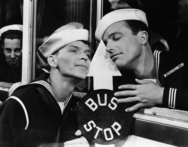 Frank Sinatra e Gene Kelly in «Anchors Aweigh» (Due marinai e una ragazza)  di George Sidney a61be307e48f