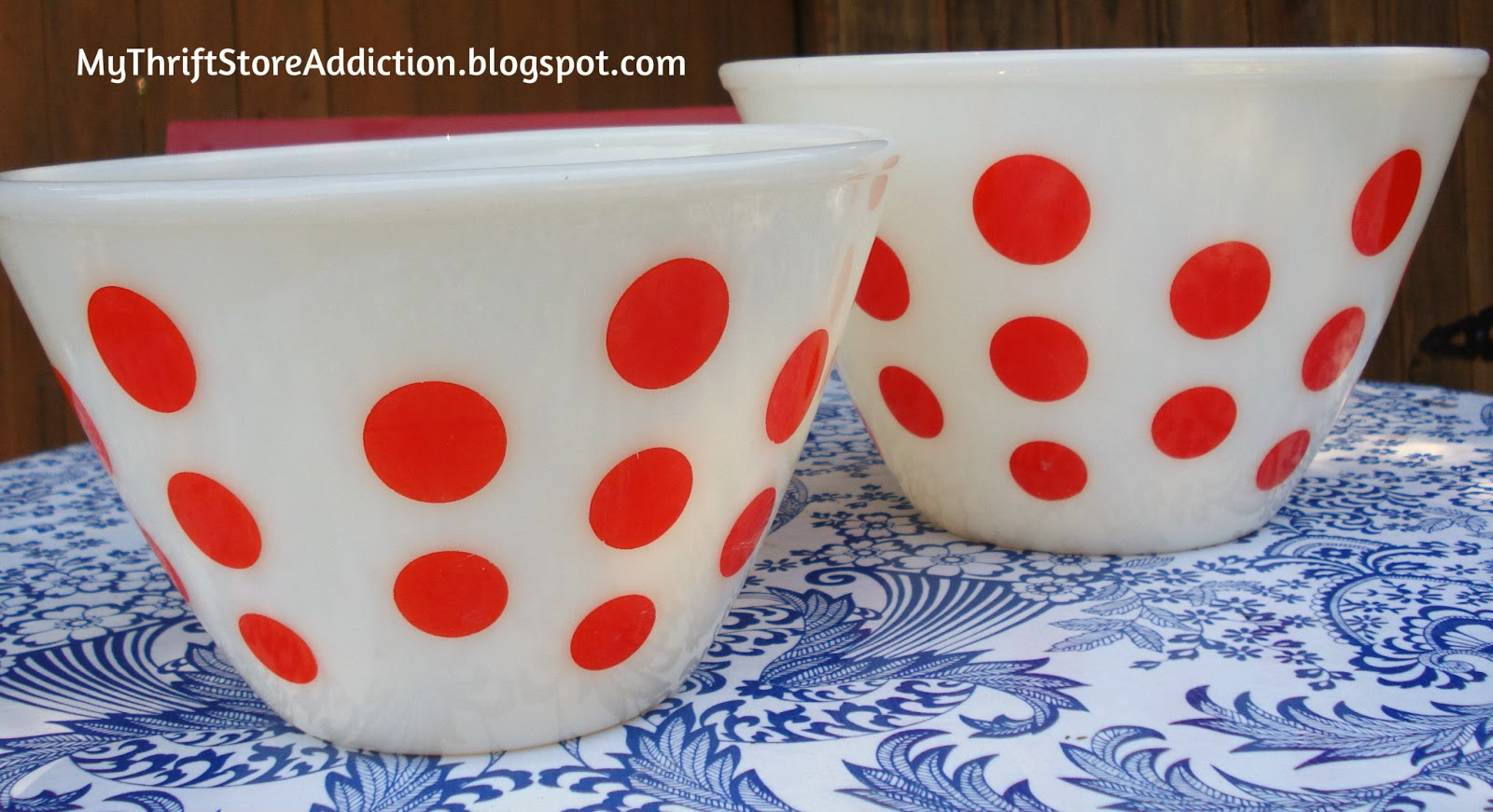 Vintage Fire King Dots bowl set