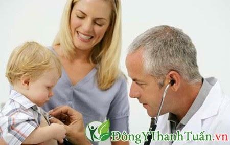 Làm thế nào khi trẻ bị bệnh viêm mũi dị ứng
