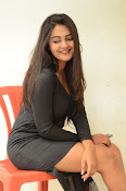 Neha deshpande new sizzling pics-thumbnail-17