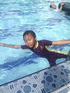berenang dengan nyaman