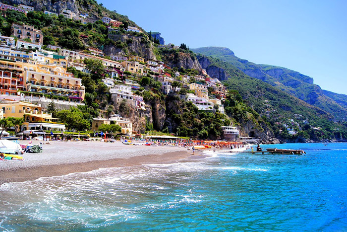 Amalfi Coast Beach Vacation