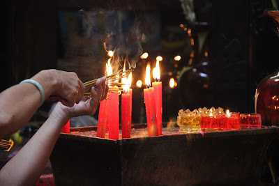 Candele e incensi in Hai Phuoc Pagoda