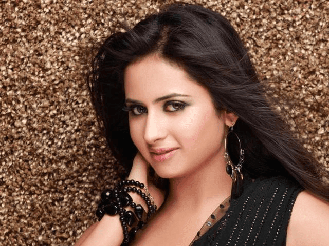 Sargun Mehta Pollywood Punjabi Actress TV Artist HD Wallpaper Photo Images