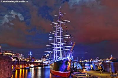 Hamburg Blue Port mit der Rickmer Rickmers