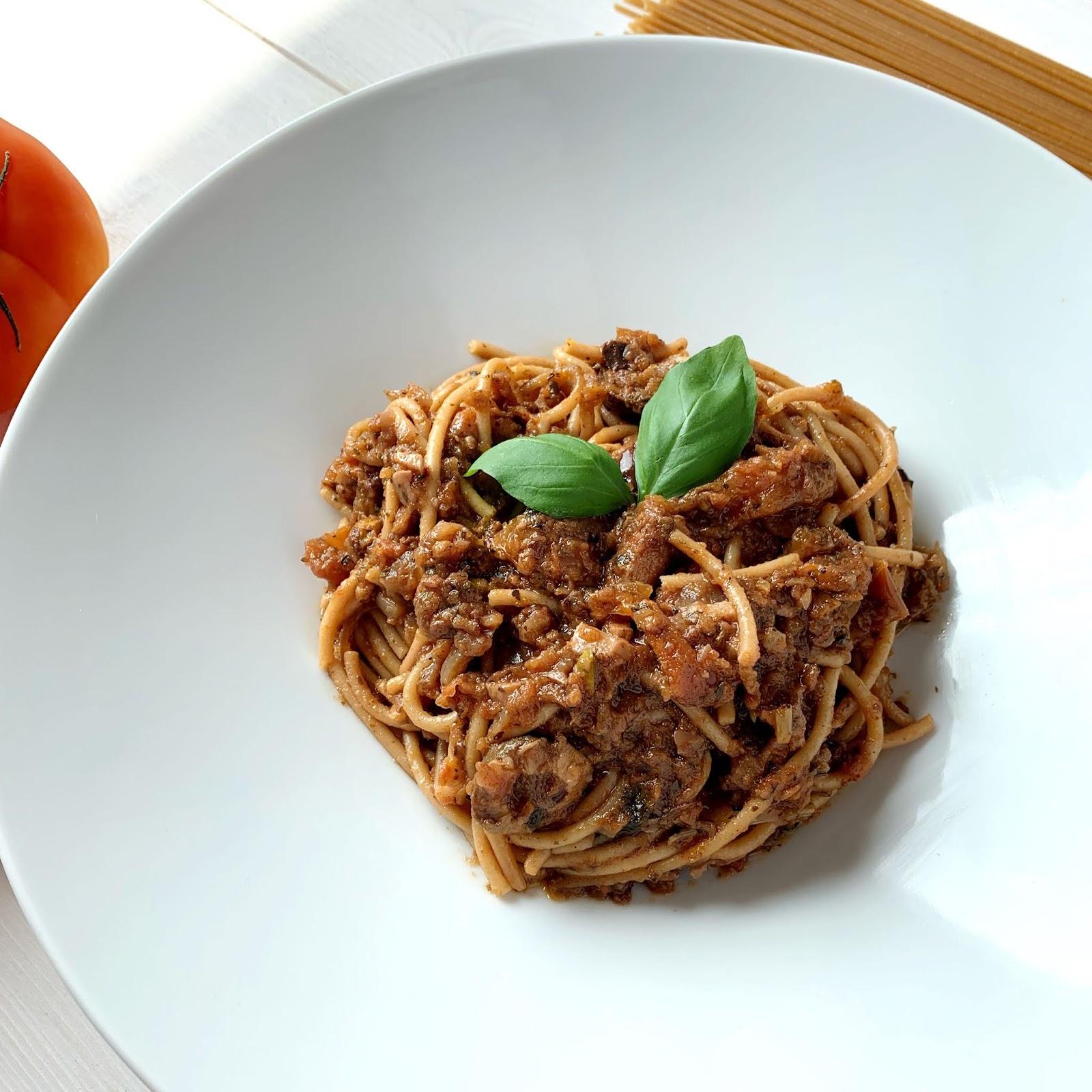 Wegańskie Spaghetti z pistacjami