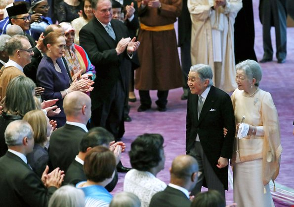 Empress Michiko, Crown Prince Naruhito, Crown Princess Masako, Prince Akishino, Princess Kiko, Princesses Kako and Mako