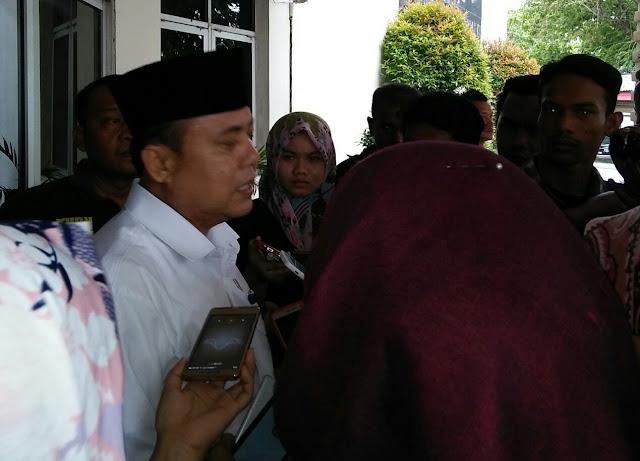 Ratusan Sopir Angkot Demo ke DPRD, Operasional Trans Padang Dihentikan Selama 3 Hari