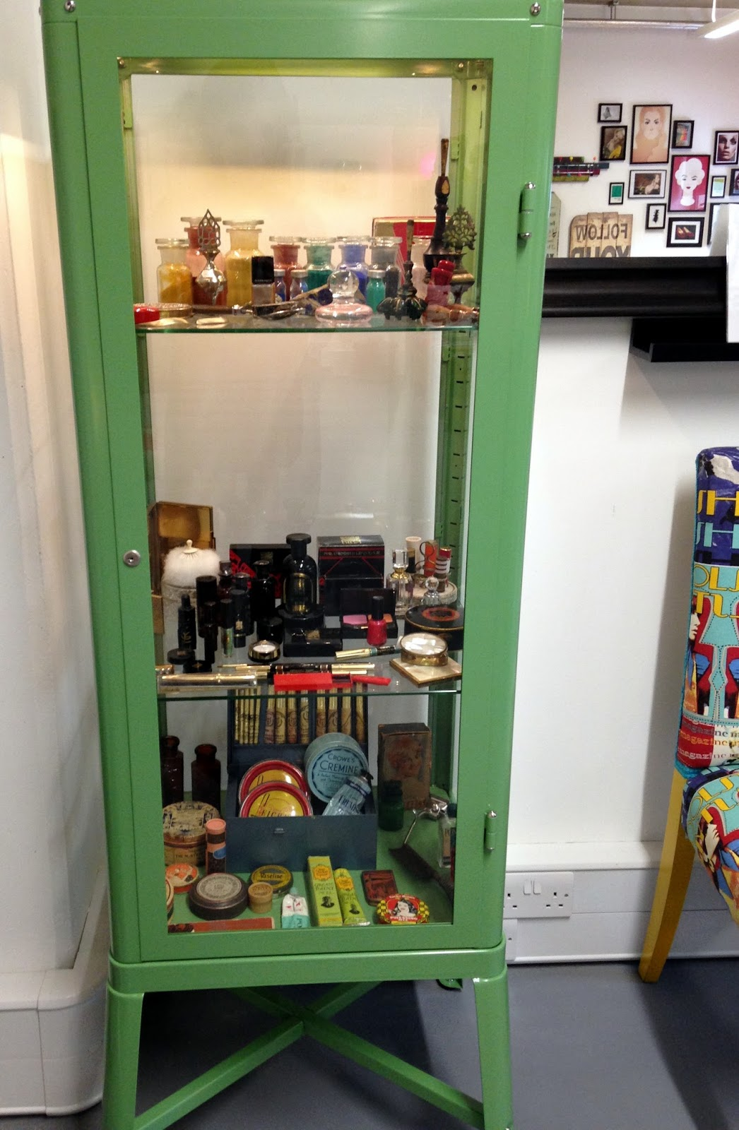 House of Glam Dolls Vintage Makeup cabinet