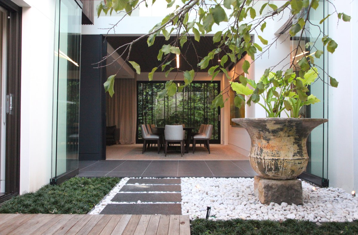 Small garden design in home home and design for Cour exterieur zen