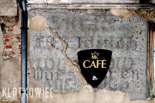 Tczew. Przedwojenna reklama na ścianie kamienicy.