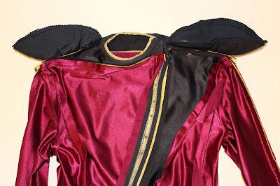 TNG season 1 admiral uniform - shoulder pads