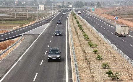 Lãi lớn khi đi cao tốc Nội Bài - Lào Cai