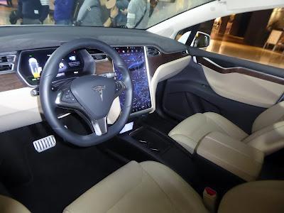 Tesla Model X, Tesla Model X poze