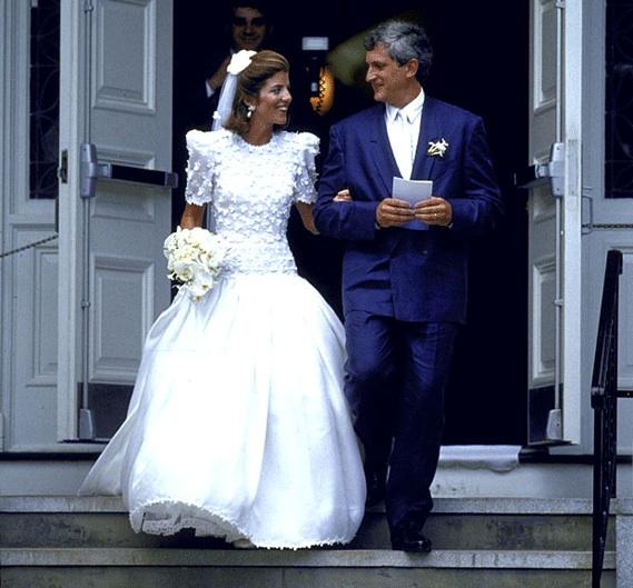 Caroline Kennedy Wedding Gown: Caroline Kennedy Wedding Rare Pictures