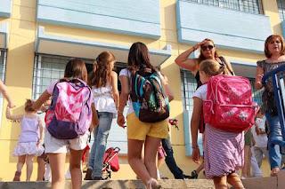 Ξεκινάει η νέα σχολική χρονιά – Δείτε που θα πάνε οι πολιτικοί