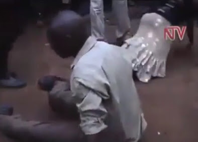 kenyan couple gossiping flogged