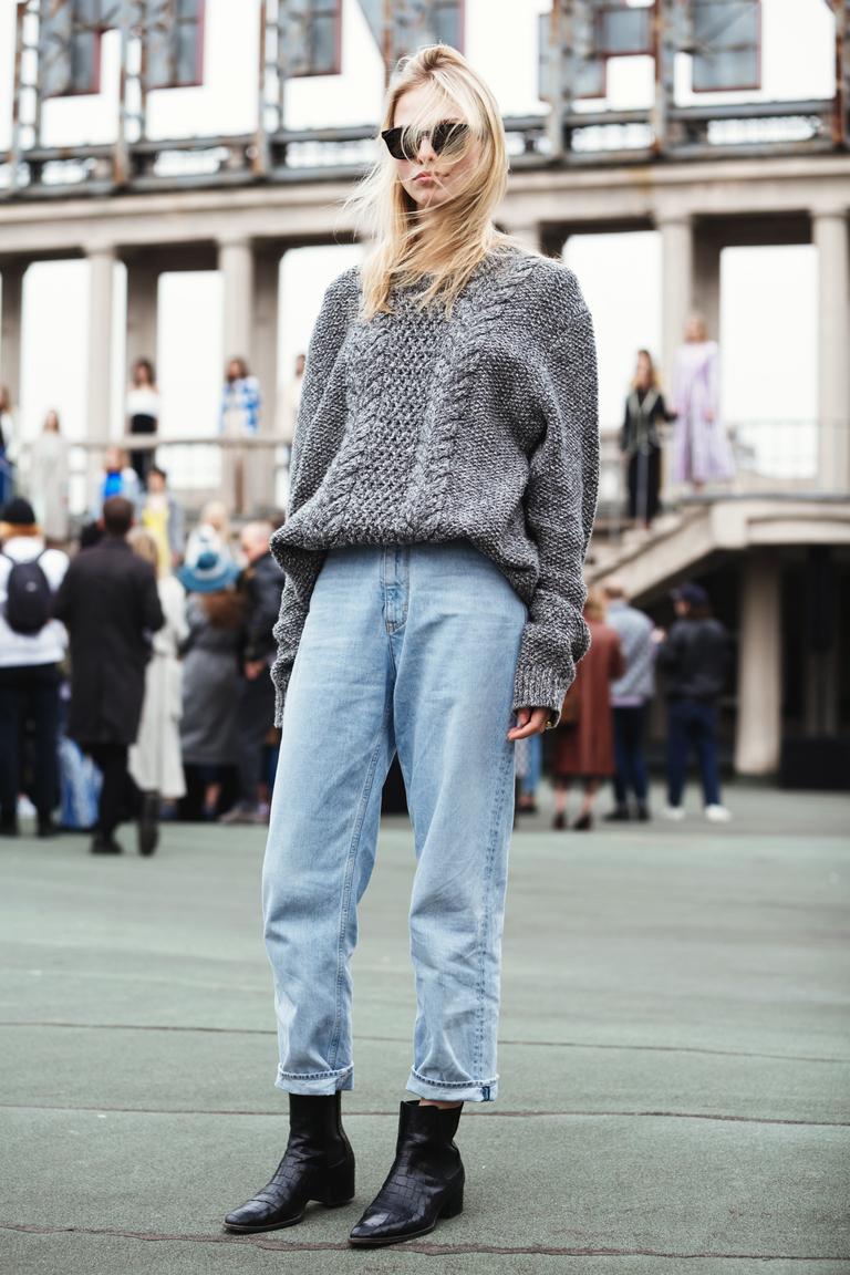 Street Style: Sasha Luss at Moscow Fashion Week 2016