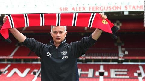 Mourinho ra mắt MU