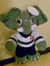 http://novedadesjenpoali.blogspot.com.es/2014/08/patron-de-elefante-marinero.html