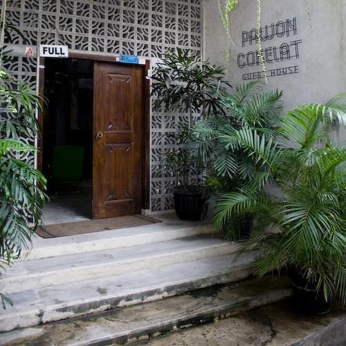 Tinuku Minimalist architecture and vintage décor in Pawon Cokelat Guest House Yogyakarta