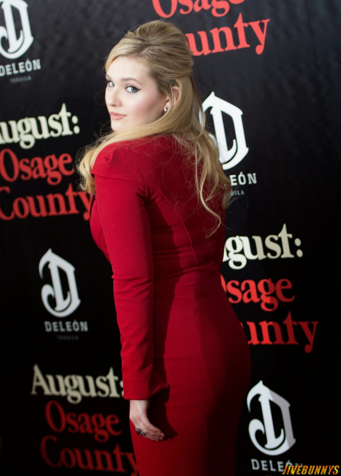 Red hot Abigail breslin attend August Osage County Premieres in NYC