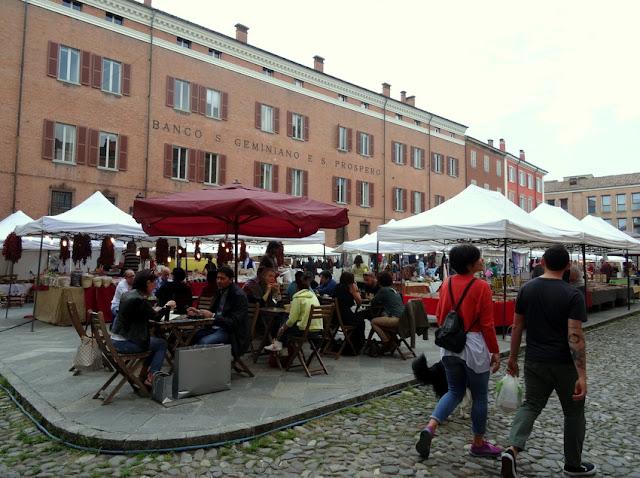 Modena, Italy: Piazza XX Settembre