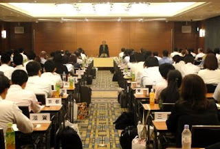 三遊亭楽春講演会「笑いに学ぶメンタルヘルス講演会」