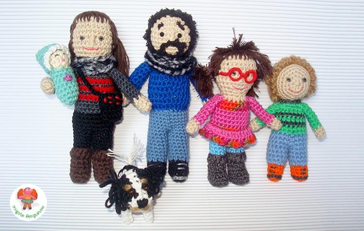 Familia tejida en ganchillo con amigurumi
