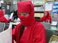 Heboh! Ninja-Ninja Ini Ada di Perkantoran, Ternyata Ini yang Terjadi