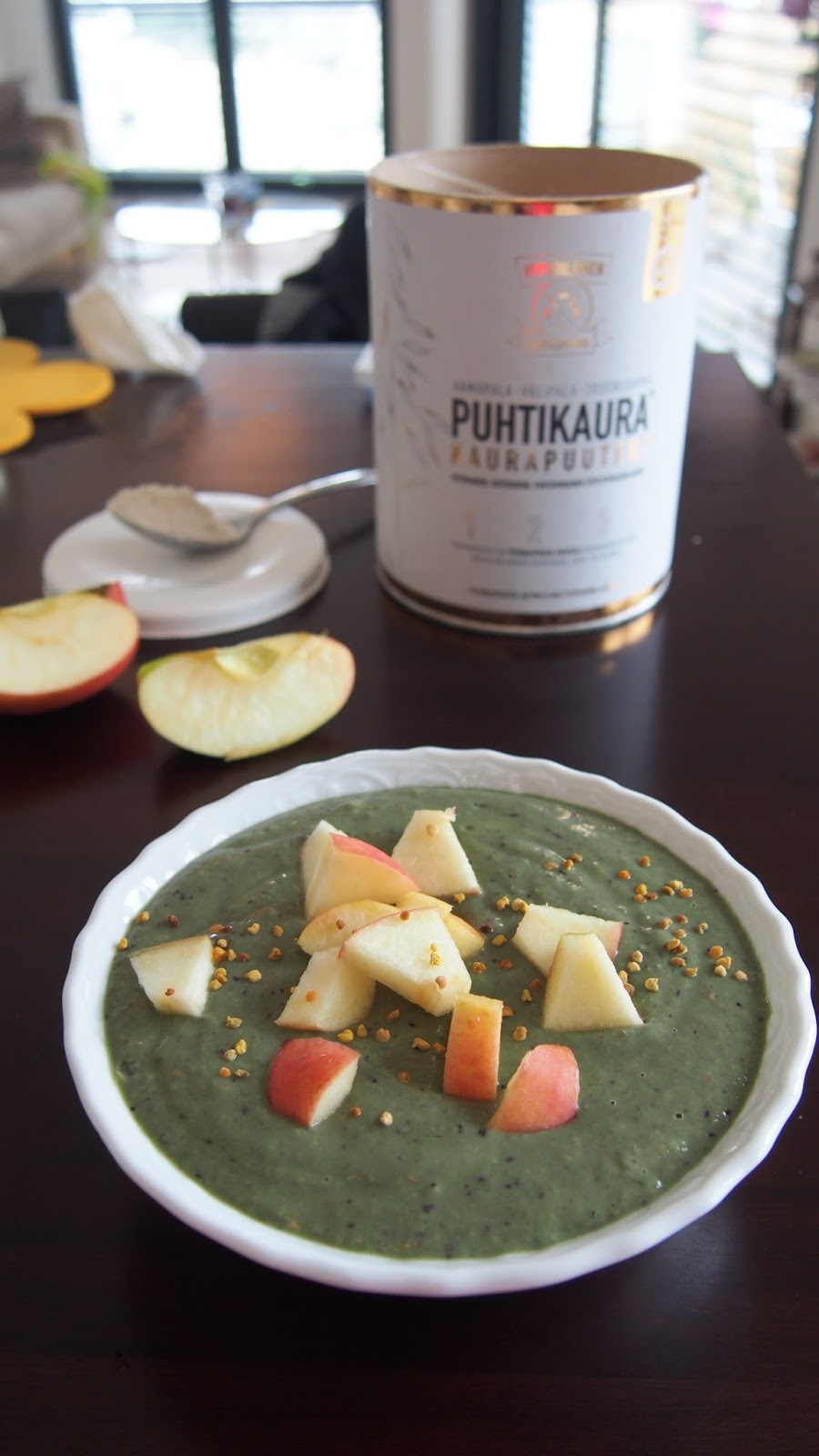 Reseptit: Puhtikaura smoothiebowl